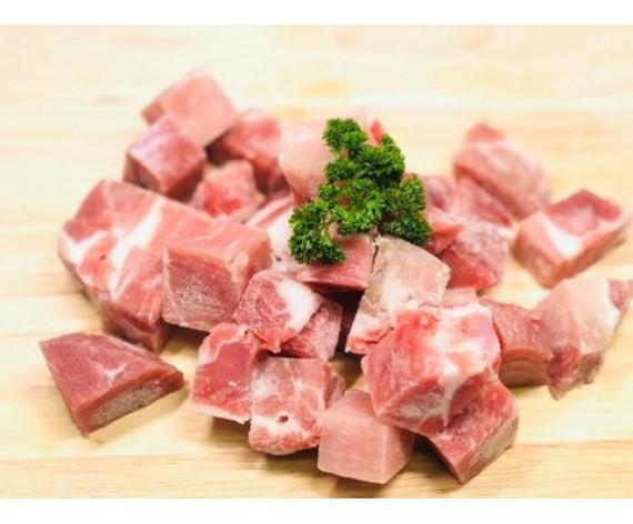 PORK COLLAR CUBE BONELESS (3X3CM) (1KG/PKT) 猪肉丁