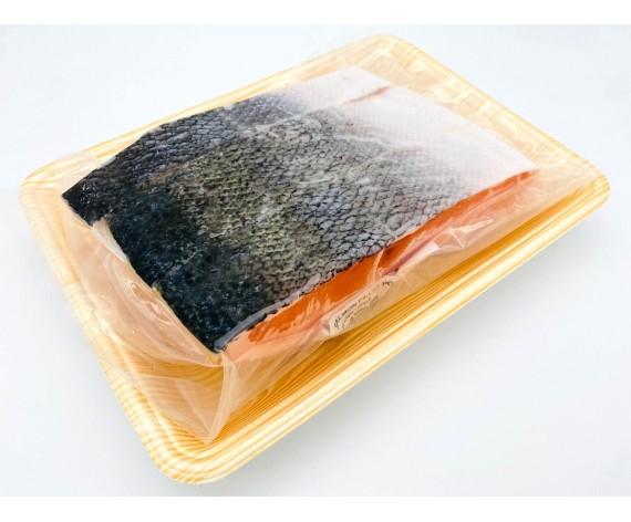 SALMON FISH FILLET | PORTION CUT | SKIN ON | 500GM/PKT | 3PCS/PKT | 100-250GM/PC | 带皮三文鱼柳切块 | CL